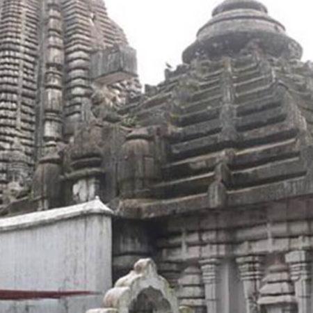 Puja at Kedareshwar Temple (Gauri Kedar)